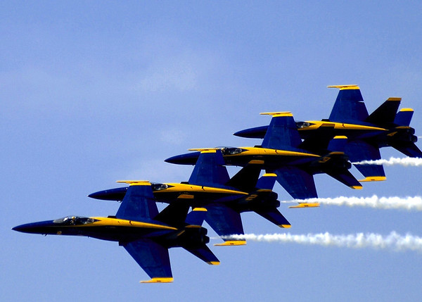 "US NAVY F/A-18 ""HORNET"" BLUE ANGELS"