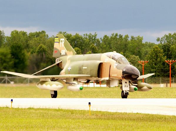 F-4 PHANTOM JET FIGHTER